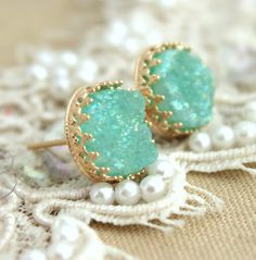 Druzy stud earrings Gold stud Mint Druzy Green sea foam door iloniti
