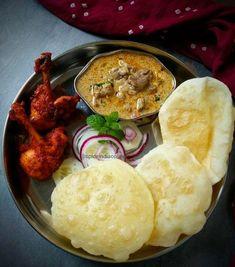 Bhatura, mutton Kurma and chicken lollipop Puri Recipes, Veg Recipes, Indian Food Recipes, Vegetarian Recipes, Cooking Recipes, Bhatura Recipe, Veg Dishes, Indian Breakfast, Indian Street Food