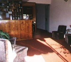 BI68188 - Uruguay  -  Carmelo. Tipo: Hotel 2* Hab.: 10 - Cat. 2* Estado: Muy bueno Sup. Cub.: 300 Mts2 Terreno: 380 Mts2 Aprobado 80 mts2 para edificar. Alfombrado. Suite nupcial con colchón de agua e hidromasajes. Caja de seguridad. Todas las habitaciones cuentan con baño privado, telefono y calefatores. Cafeteria Se acepta como parte de pago 50% propiedades en CABA Contado: 50% o permuta. La ubicación exacta, rentabilidad y nombre comercial se darán ante instancia de visita.