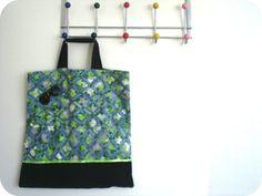 Vintage tote bag - from http://pimprelys.over-blog.com