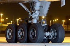 Boeing 777 Main gear at night