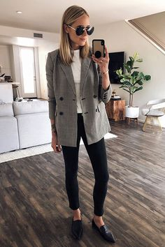 8ba558846b4 35 Classy Office Wear Looks For Fall. Wearing a grey plaid blazer