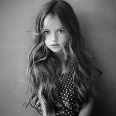 Kristina Pimenova is only 9 years but has already been dubbed 'the most beautiful girl in the world' by many. The Most Beautiful Girl, Beautiful Children, Girl Photography, Children Photography, White Photography, Photography Ideas, 9 Year Old Model, Kristina Pímenova, Vogue Kids