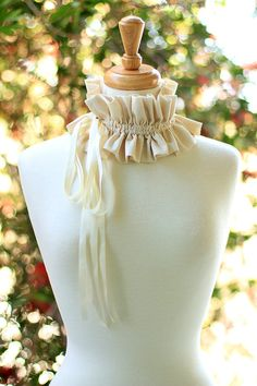 Victorian Fashion Collar - Women's Ruffled Choker in Ivory Cotton Muslin Victorian Collar, Victorian Fashion, Party Accessories, Fashion Accessories, Steampunk Accessories, Moda Peru, Muslin Fabric, Ruffle Collar, Neck Warmer