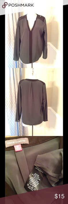 Vince Camuto Blouse Great blouse, can go dressy or casual Vince Camuto Tops Blouses