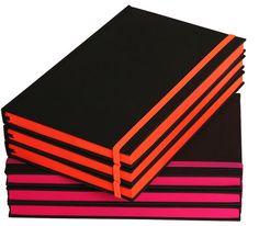 Lefa Punk-Bücher mit Farbschnitt und Gummiband in Tagesleuchtfarbe