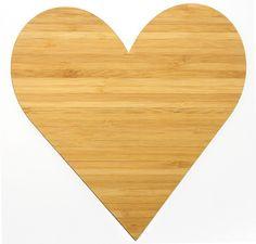 Wanddeko Herz aus Bambus  Coffee - Das Original von Mr. & Mrs. Panda.      Über unser Motiv Herz  Wir haben etwas auf dem Herzen, können jemanden ins Herz schließen, mit ihm ein Herz und eine Seele sein oder jemanden das Herz brechen. Das Symbol Herz, steht nicht nur für die Liebe, sondern auch für Leben. Das Herz ist ganz klar, das Symbol der Liebe und des Lebens und die Liebe ist eine unbeschreibbare Kraft.     Verwendete Materialien  Bambus Coffee ist ein sehr schönes Naturholz, welches…
