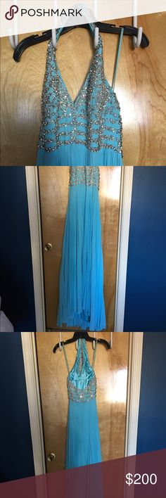 Tony Bowls Gown size 4 Aqua. Worn at a MAO prelim. Great condition! Tony Bowls Dresses Prom
