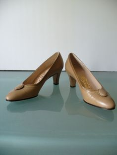 Salvatore Ferragamo Made in Italy  Taupe Pumps Size 6AA by EurotrashItaly on Etsy
