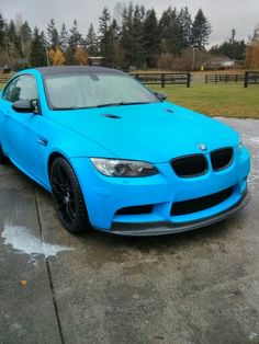 BMW E92 M3 in blue plasti-dip