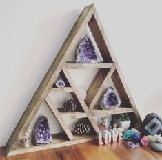 beautiful way to store your crystals Crystal Room Decor, Crystal Wall, Crystal Grid, Crystal Cluster, Wooden Shelves, Floating Shelves, Zen Home Decor, Meditation Room Decor, Crystal Shelves