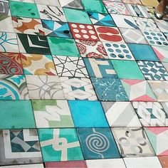 #tileaddiction  #tilepattern #ihavethisthingwithfloors  #ihavethisthingwithtiles #mosaicosoaxaca #oaxaca #meeexiiicooo #mosaico  #artesanales  #hechoenoaxacamexico by oxkarin21