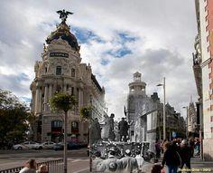 Montaje de ayer y hoy en Gran Vía. Inauguración de Alfonso XIII
