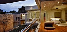 'Glass House Project' By Nico Van Der Meulen Architects | UltraLinx