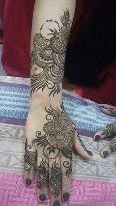Henna Design By Fatima Khafif Mehndi Design, Floral Henna Designs, Simple Arabic Mehndi Designs, Back Hand Mehndi Designs, Mehndi Designs Book, Modern Mehndi Designs, Mehndi Designs For Girls, Mehndi Designs For Beginners, Mehndi Design Photos