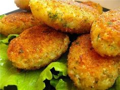 Light burgers with minced chicken and cabbage. Diet Recipes, Vegetarian Recipes, Chicken Recipes, Cooking Recipes, Healthy Recipes, Chicken And Cabbage, Cutlets Recipes, Good Food, Yummy Food