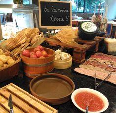 En el bufet també hi trobareu el racó de productes de proximitat👌  #restaurant #bufet #montanyahotel
