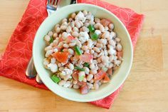 easy white bean salad with dill. High-protien, no-cook, gluten free, vegetarian!