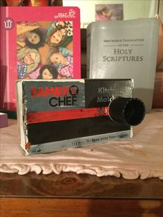 You can make a camera  Out of a match box it's so easy  1.get a top to a lotion bottle 2.glue it on to a match box 3.Enjoy