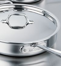 View All-Clad stainless cookware, induction cookware, cookware copper, electrics and kitchen utensils. All-Clad Made in the USA bonded cookware. Clean Stainless Steel Pans, Pots And Pans Sets, Making Life Easier, Pan Set, Cooking Gadgets, Cookware Set, Natural Cleaning Products, Kitchen Essentials, Kitchen Stuff