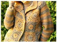 Chaqueta paso a paso Chaquetón de grannys con bellas tonalidades Materiales: 450 gramos de lana con acrilico y algodón tejida simple color beige; 430 gramos en color gris; Aguja de crochet nº 7; 4 botones de metal plateado.