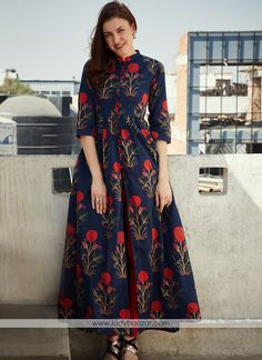 Navy Blue Mughal Boota Cape by Desi Doree Kurti Neck Designs, Kurta Designs Women, Kurti Designs Party Wear, Long Kurta Designs, Frock Fashion, Fashion Dresses, Indian Designer Outfits, Designer Dresses, Kalamkari Dresses
