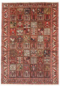 Het Bakhtiari tapijt is beroemd om haar patroon met verschillende vierkante tuinmotieven. Het tapijt is zeer duurzaam en kan ook voorkomen met medaillons.