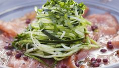 Rauwe zalm met spaghetti van courgette - Pascale Naessens