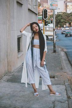 BGKI - the website to view fashionable & stylish black girls shopBGKI today Black Girls, Black Women, Looks Street Style, Normcore, How To Pose, Fashion Outfits, Womens Fashion, Style Fashion, Fashion Ideas