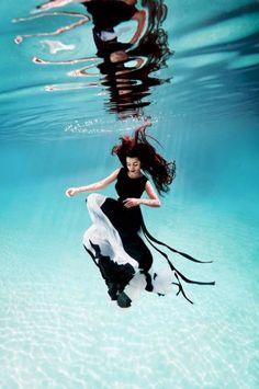 ♥ Underwater Fashion Photography - Ilse Moore