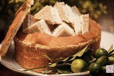 sanduichinhos de peito de peru e cream cheese no pão surpresa