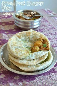 Divya's culinary journey: Green Peas Kachori with Spicy Dum Aloo - Bengali style Indian Snacks, Indian Food Recipes, Vegetarian Recipes, Snack Recipes, Cooking Recipes, Indian Breads, Indian Appetizers, Indian Dishes, Curry Recipes