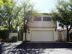 Guard gated Spanish Oaks in historic area near downtown Las Vegas! 4 beds, 3 full baths, POOL