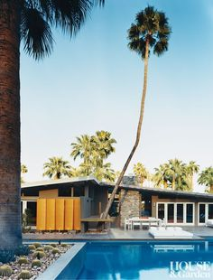 Mid Century Modern Exterior in Palm Springs, California Spring Architecture, Architecture Design, Mid Century Modern Design, Mid Century Modern Furniture, Modern Pools, Mid-century Modern, Contemporary, Modern Exterior, Exterior Design