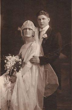 1912 bride and groom Vintage Wedding Photography, Vintage Wedding Photos, Wedding Dresses Photos, Vintage Bridal, Wedding Pics, Wedding Bride, Vintage Weddings, Wedding Styles, Wedding Attire