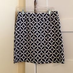 Skirt A cute design skirt that's versatile for many occasions. In mint condition. Navy and white. Banana Republic Skirts Mini