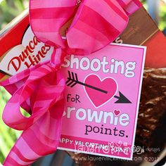 """Shooting for Brownie Points"" Valentines. cute for teacher valentine Valentines Day Food, My Funny Valentine, Valentine Day Love, Valentine Day Crafts, Valentine Ideas, Printable Valentine, Homemade Valentines, Valentine Wreath, Little Girls"