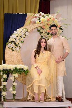 Pakistani Fashion Casual, Pakistani Dresses Casual, Pakistani Wedding Outfits, Eid Dresses, Pakistani Dress Design, Wedding Dresses, Bollywood Fashion, Stylish Dresses For Girls, Stylish Girls Photos