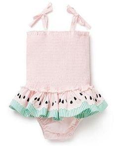 Quero um desse para ir à praia com a baby Alice  Shop  @mylittlewears ✨ #babyfashion #babyfashionista #bebefashion #bebefashionista #acessoriodebebe #mundocorderosa #cutebaby #bebefofo #instababy #mybambini #modabebe #babyaccessory #babyaccessories #babylove #bebe #baby #babyshop #instashop #babystyle #babyshop #babytips #maternidade #gestante #maiobebe #babyswimwear #biquinibebê... -   Quero um desse para ir à praia com a baby Alice �