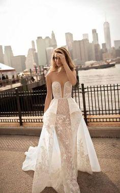 Brautkleider-Trends 2018: DAS sind die 100 schönsten Kleider! : Fotoalbum - gofeminin Wedding Dresses 2018, Wedding Dress Trends, Wedding Dress Sizes, Designer Wedding Dresses, Bridal Dresses, Peplum Wedding Dress, Berta Bridal 2018, Bridal Collection, Dress Collection