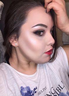 Power of makeup #amateurmakeup #amateurart #highlighter #makeup #redlips #bronzer #contour #glam #girl #inspiration #girly #ootd #fashion #follow #followme #makeupvictimblog #myart #imadeit #proud #motivation #like #likeforlike