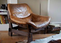 1970′s leather armchair || N&L DE LIMA