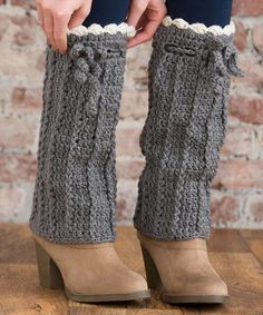 Ravelry: Long Boot Warmers pattern by Alessandra Hayden.easy to crochet and there's a free pattern!These will keep the snow out of your boots! Crochet Boots, Crochet Gloves, Crochet Slippers, Crochet Yarn, Free Crochet, Crochet Top, Crochet Boot Cuff Pattern, Crochet Patterns, Boots With Leg Warmers