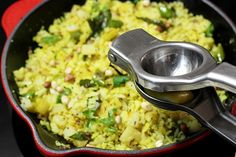 Poha recipe - Poha or pohe is a maharastrian snack and breakfast made with flattened rice, potatoes and onions. Poha Recipe, Look And Cook, Indian Food Recipes, Ethnic Recipes, Indian Breakfast, Indian Sweets, Breakfast Snacks, Macaroni And Cheese, Dinner Ideas