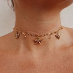 Thankyou so much for your patience on this restock Angels 💖 the Baroque Charm Choker is back! Tap to shop ✨ We'll take one of each please. Soooo much newness…Vergoldete Star Charm Creolen - fashion Cute Jewelry, Jewelry Accessories, Jewelry Necklaces, Women Jewelry, Fashion Jewelry, Jewlery, Gold Bracelets, Delicate Necklaces, Cartier Jewelry