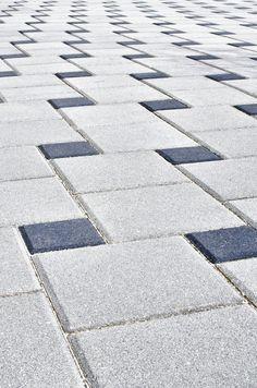 Close-up image of silverdale brick patio design