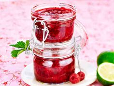 Vadelma-limettimarmeladi Dip Recipes, Preserves, Dips, Mason Jars, Food And Drink, Homemade, Baking, Vegetables, Sweet