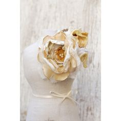 EndOfSummerSale Rustic bridal flower corsage in ivory white and yellow... ($35) ❤ liked on Polyvore featuring jewelry, brooches, gold jewelry, flower jewelry, flower jewellery, gold bridal jewelry and white gold brooch
