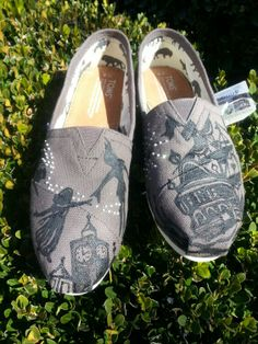 Peter Pan sillouette Toms
