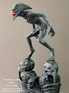 Really cool sculpture Alien Vs Predator, Predator Alien, Giger Alien, Hr Giger, Arte Alien, Alien Art, Aliens Movie, Aliens And Ufos, Zbrush